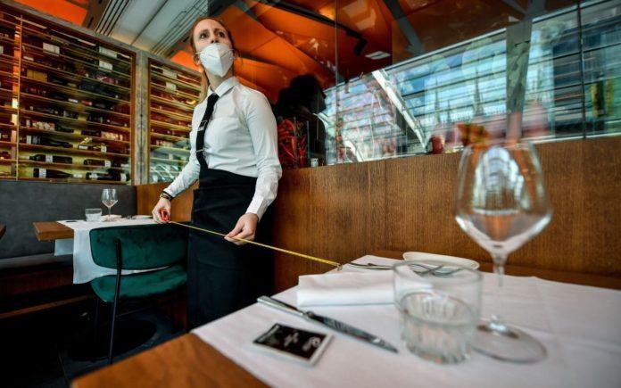 Eliminan restricciones horarias para bares y restaurantes en Provincia