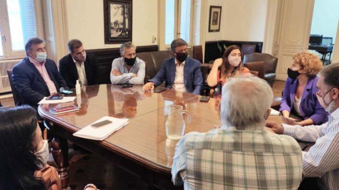 Diputados de Juntos por el Cambio, aislados en sus despachos en plena sesión por un caso de Covid-19