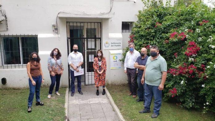 Victoria Donda recibió a la docente que fue atacada en un colectivo por usar barbijo en apoyo al aborto legal