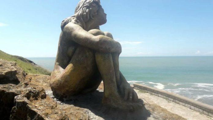 Mar del Plata: buscan a artista de una obra misteriosa en Playa Chica