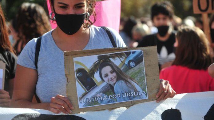 El mismo día de la protesta, Fernández convocó a crear consejo anti femicidios