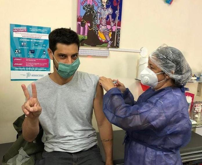 Polémica en Chivilcoy: denuncian la vacunación de jóvenes vinculados a La Cámpora