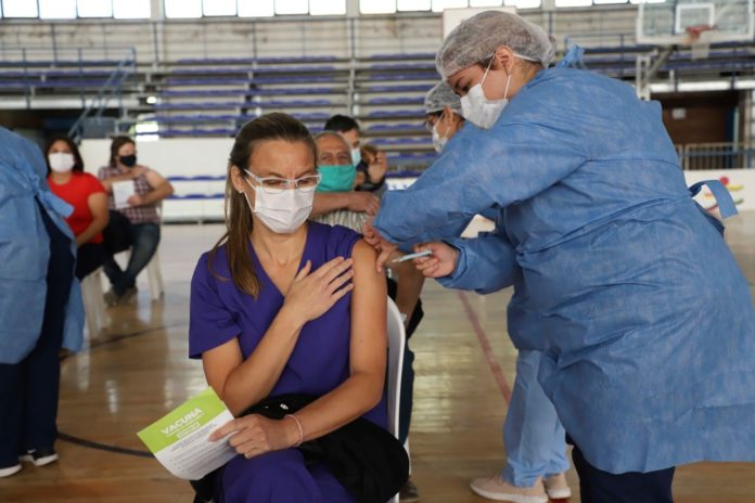Un estudio rionegrino afirma que vacunados con Sputnik-V cuentan con un 94% de anticuerpos