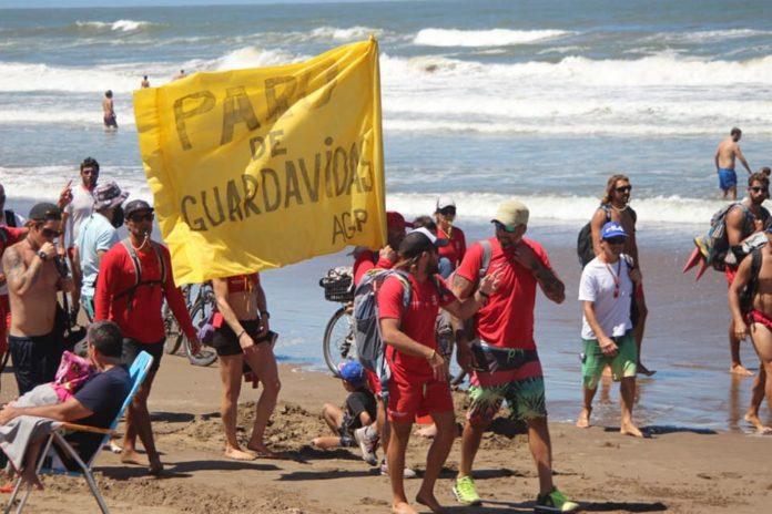 La movilización del viernes pasado por las playas pinamarenses. (Facebook AGP)