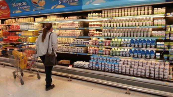 El Gobierno está en tratativas para frenar aumentos de precios de los alimentos.