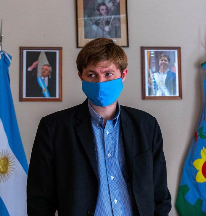 """Leandro N. Alem: otro intendente tuvo que dar explicaciones por sospechas de """"vacunados VIP"""""""