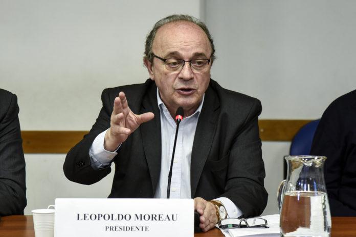 Moreau pidió suspender las clases presenciales hasta el miércoles inclusive
