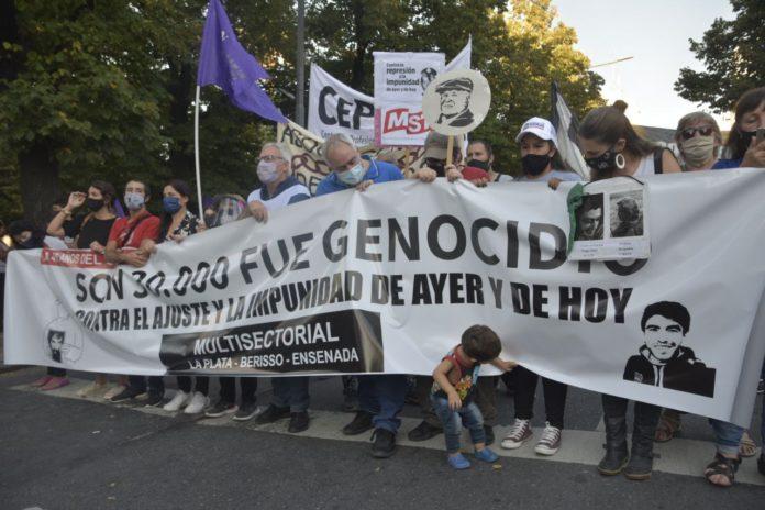 Con una marcha, recordaron en La Plata el 45 aniversario del último golpe de Estado
