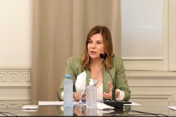 Florencia Saintout, presidenta de la Comisión de la Mujer y autora del proyecto