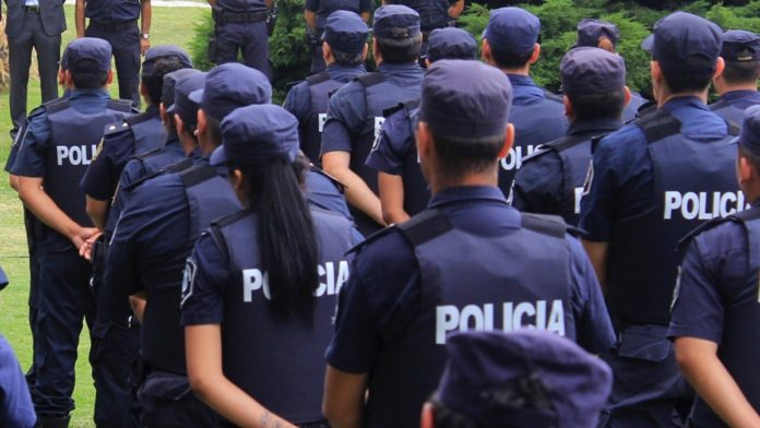 Presentan un proyecto para que los policías bonaerenses no paguen patentes