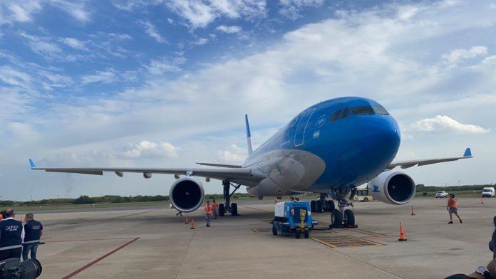 Un nuevo vuelo de Aerolíneas Argentinas partió en la madrugada de este jueves con destino Moscú