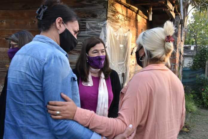 Estela Díaz se reunió con la familia de Tehuel, el joven trans desaparecido en San Vicente