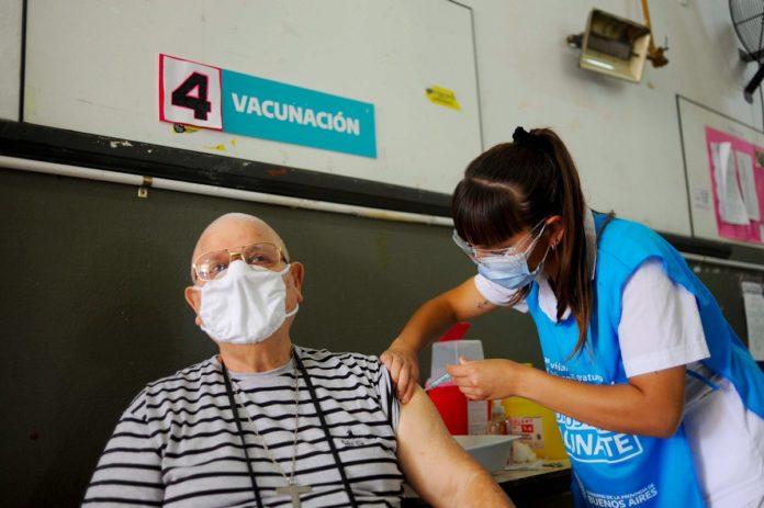 La Provincia empieza a vacunar a mayores de 55 años sin necesidad de turnos ni inscripción
