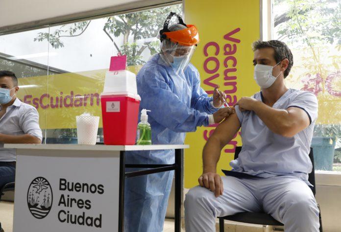 Desde Provincia cuestionaron el ritmo de vacunación de la Ciudad