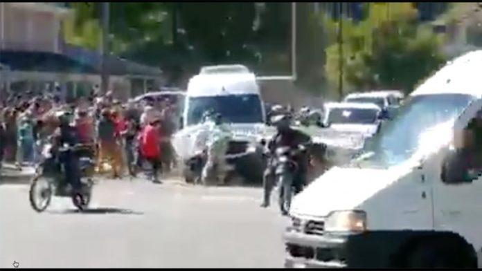 Cinco personas fueron detenidas en Chubut por las agresiones a la comitiva presidencial