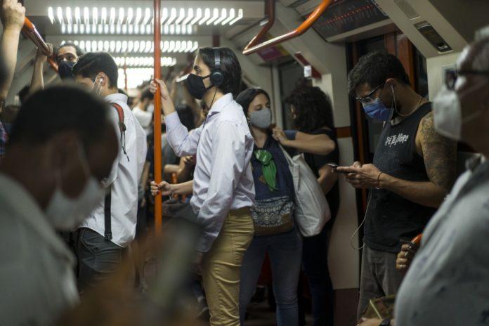 La ministra de Salud negó que, frente al aumento de contagios de Covid-19, el Gobierno esté pensando en volver al confinamiento. (Xinhua)