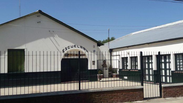 Rauch: cierran dos escuelas por casos positivos de coronavirus