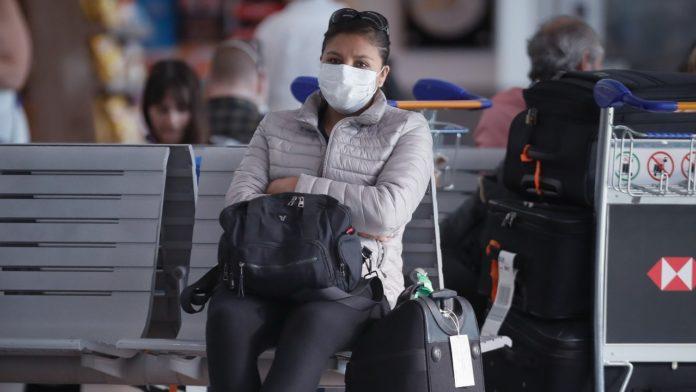 """Solá anticipó que """"el problema va a ser si se quiere volver y las aerolíneas empiezan a levantar los vuelos""""."""