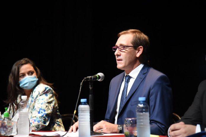 El intendente de La Plata, Julio Garro, en su discurso en la apertura de sesiones ordinarias del HCD. (Twitter @juliogarro)