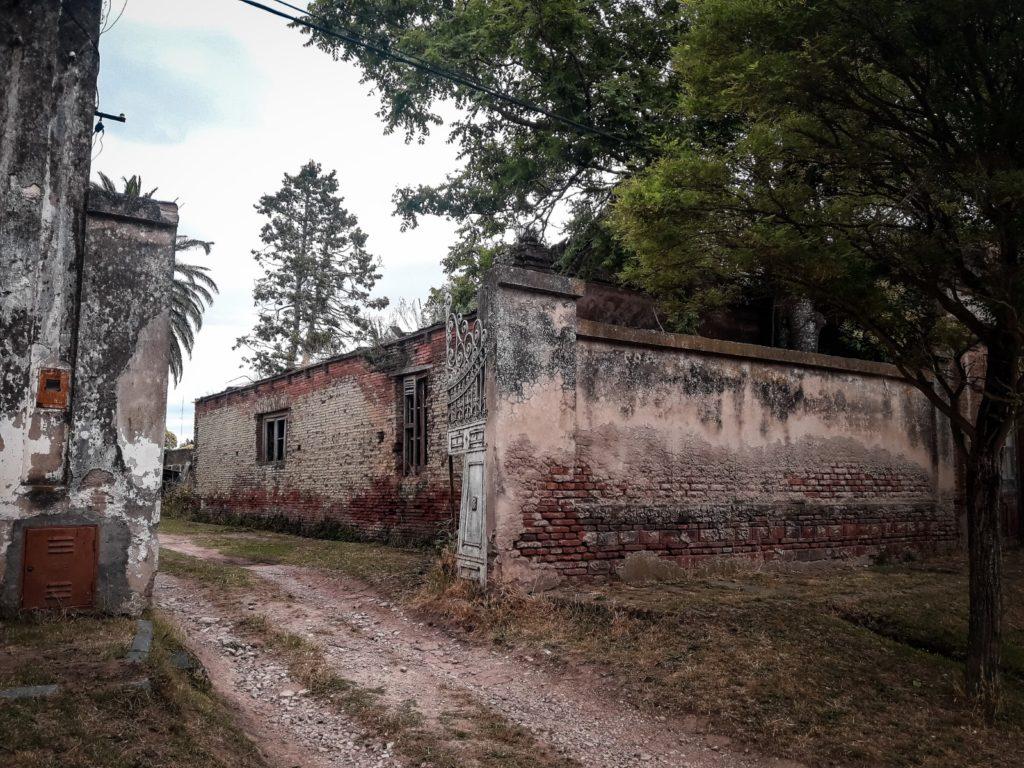 La entrada del edificio de la logia Unión y Constancia. (Gentileza Nicolás Colombo)