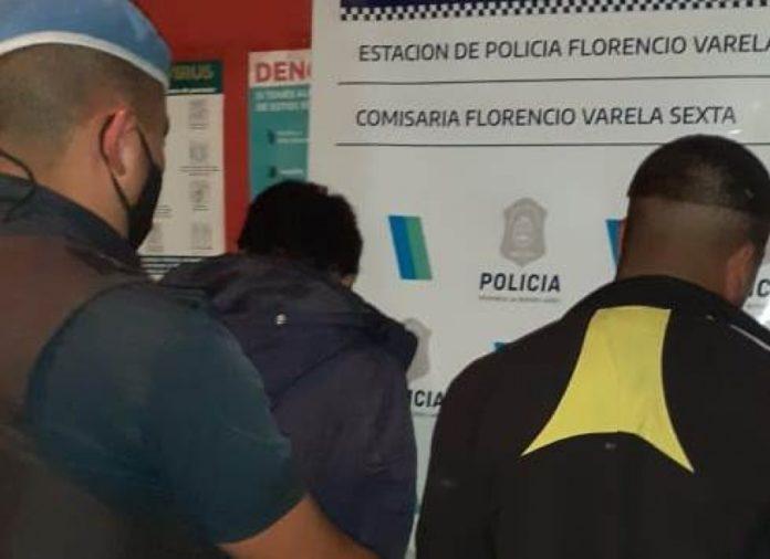 Dos de los sospechosos del brutal crimen, cuando fueron detenidos por la Policía.