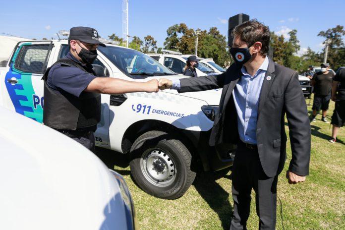 Kicllof entregó patrulleros en La Matanza y apuntó contra Vidal