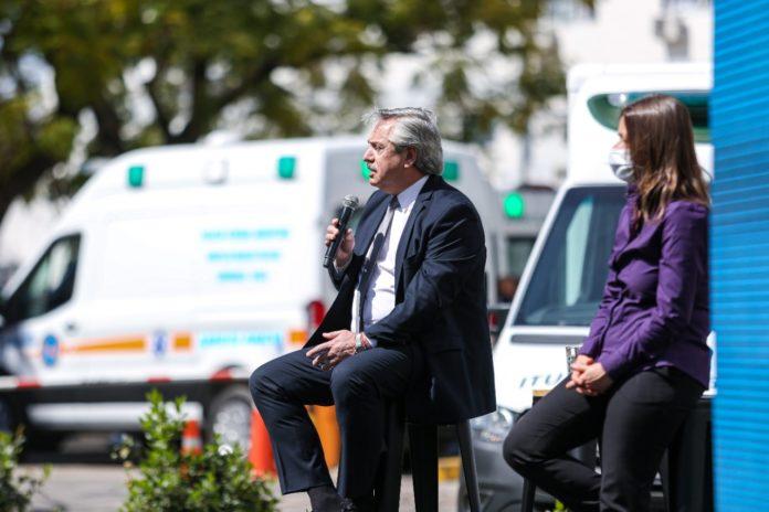 """El Presidente acusó a Rodríguez Larreta de """"no tomar en cuenta el dato"""" de la saturación de las terapias intensivas."""