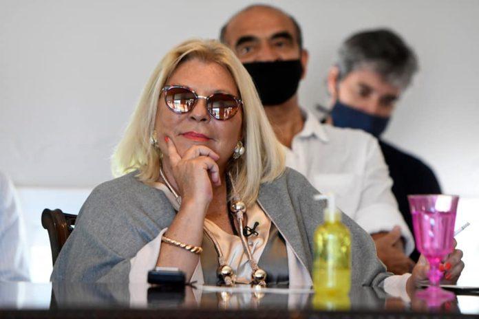 La líder de la Coalición Cívica, Elisa Carrió, se adelantó a las deliberaciones de Juntos por el Cambio
