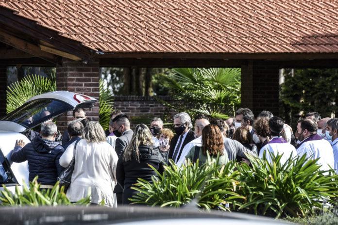 En una ceremonia íntima, la familia y el Presidente dieron el último adiós a Meoni