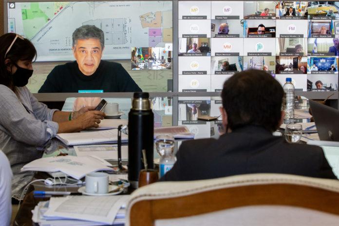 Restricciones: Kicillof pidió más controles a intendentes y tuvo respaldo opositor
