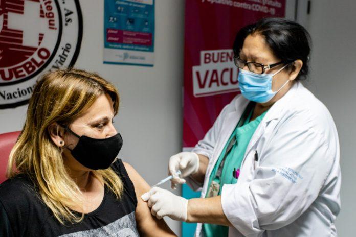 En la provincia ya se aplicaron 1.624.131 primeras dosis contra el coronavirus.