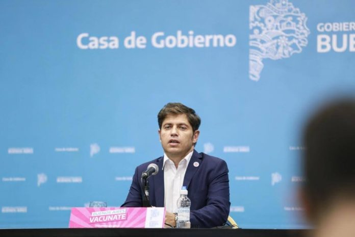 """Kicillof anunció """"severas multas"""" para quienes incumplan medidas y cierre de comercios a las 20"""