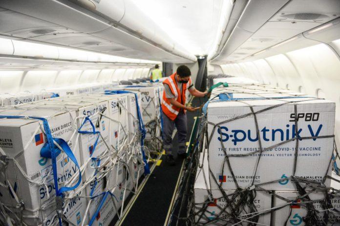 Un vuelo proveniente de Moscú, Rusia, aterrizará esta noche con unas 800.000 dosis de la Sputnik V