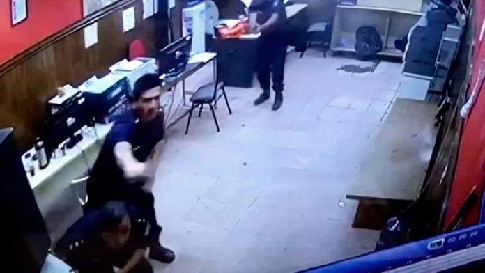 El ataque a la comisaría ocurrió la madrugada del 30 de abril de 2018.