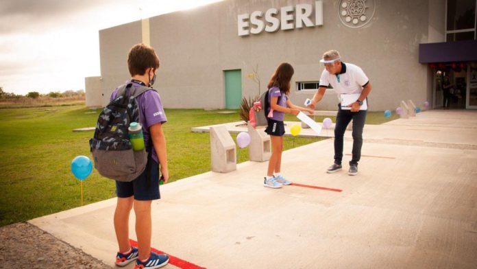 El colegio Esseri, de La Plata, se declaró en rebeldía contra el DNU de suspensión de clases presenciales.