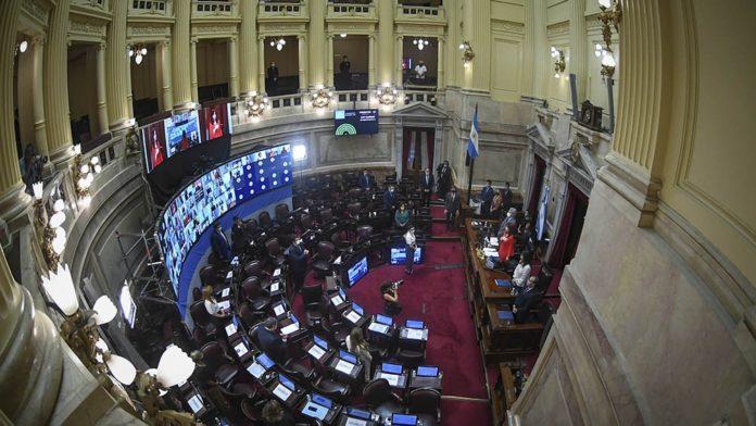 El Senado aprobó un proyecto de ley que prevé multas de hasta $20.000 por el acoso callejero