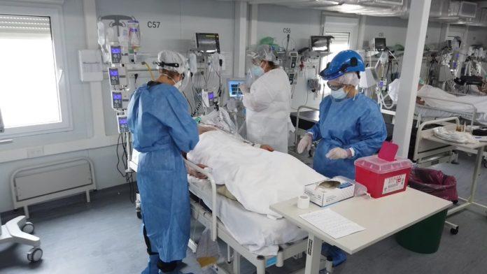 """Pese a la caída de los casos, alertan que el sistema de salud """"sigue muy estresado"""" en la provincia"""