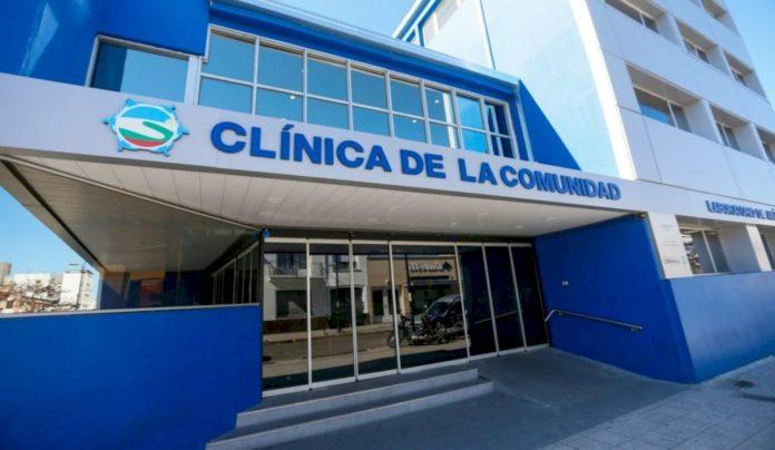 La protesta fue en la Clínica de la Comunidad, en pleno centro de Ensenada.