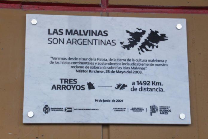 Colocan placas sobre Malvinas en terminales bonaerenses