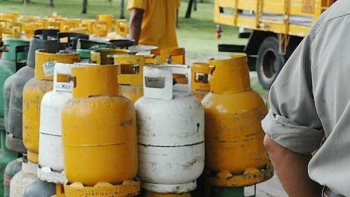 Gobierno impulsa declarar servicio público el gas en garrafa para controlar precios