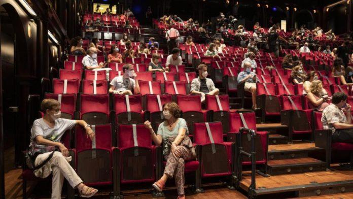 Vuelven los cines, teatros y espectáculos con aforo de entre 30 y 50%