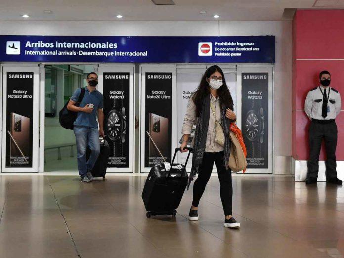 Reabren las fronteras terrestres y se habilita el turismo extranjero
