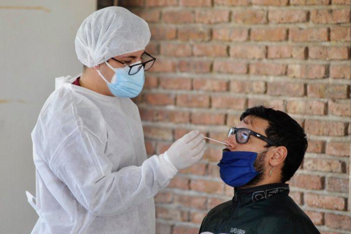 El Gobierno provincial destacó este lunes la caída de los contagios de coronavirus que acumula un 88% desde el pico del mes de mayo