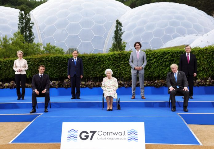 Los líderes del Grupo de los Siete posan en Cornualles. (Gobierno Reino Unido)