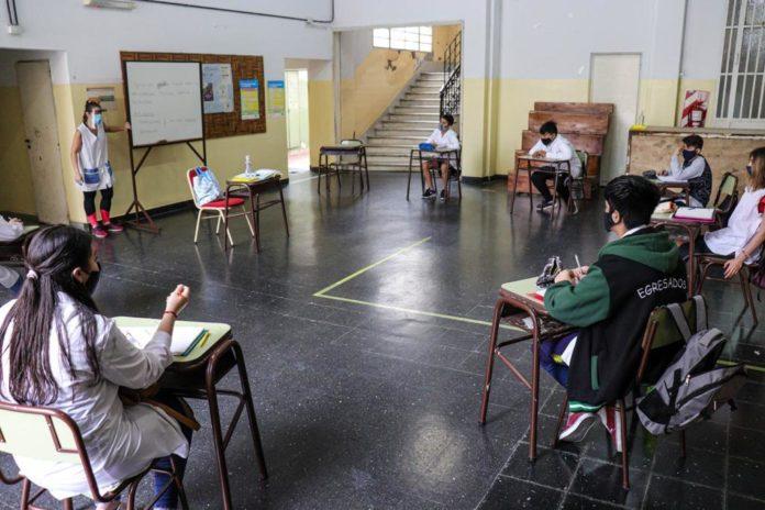 Escuelas de 24 distritos del interior vuelven a las clases presenciales