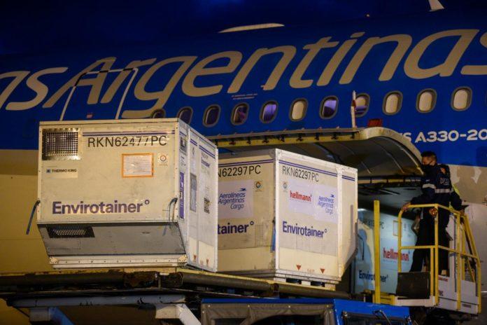 Aerolíneas Argentinas inicia este viernes un operativo para traer al país desde China 8 millones de dosis de la vacuna Sinopharm