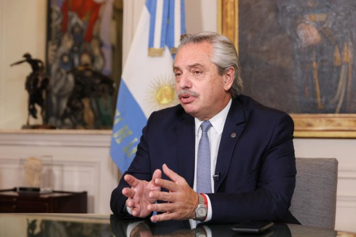 El Presidente Fernández dio negativo en un PCR y retoma la actividad normal