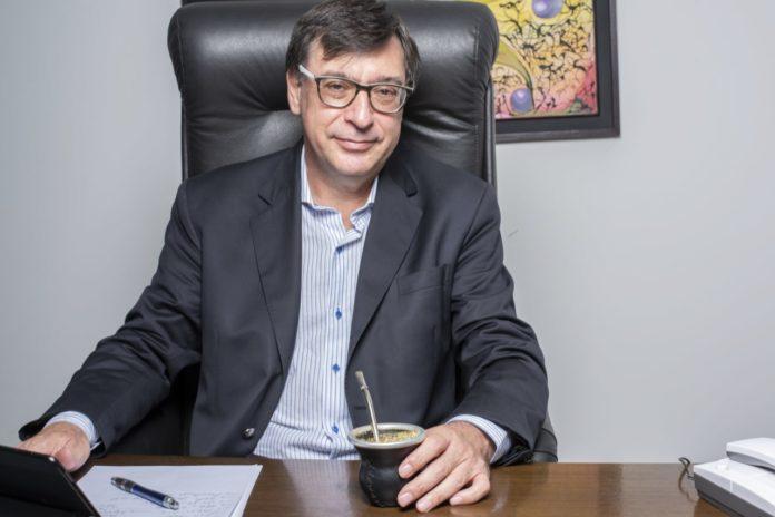 Rector universitario desafía a Ferraresi y pide que no haya exclusiones en el FdT