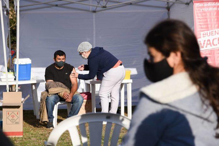 Provincia envía más de 500 mil turnos para vacunar con la primera dosis