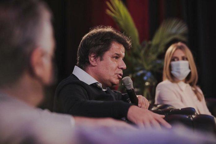 El neurólogo Facundo Manes, precandidato radical en la interna de Juntos, enfrentará en las PASO a Diego Santilli